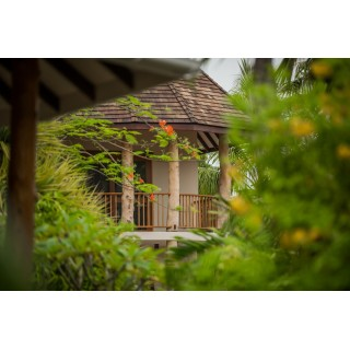 Les Lauriers Eco Hotel &...